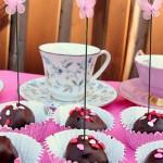 Sis-baked cake pops